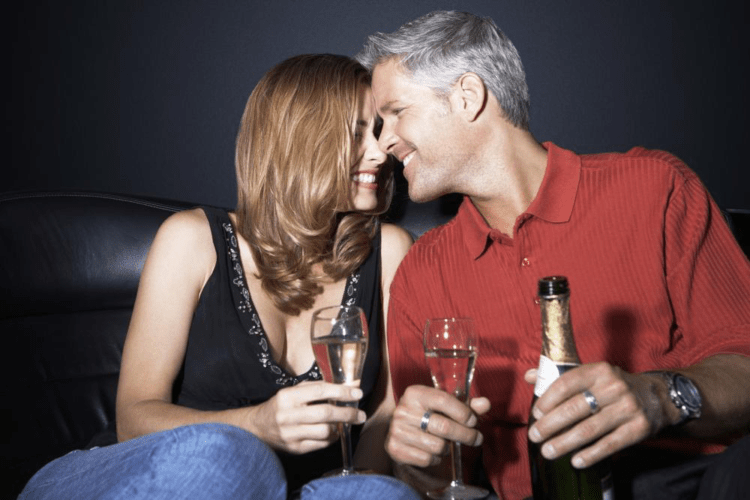 Men Who Marry More than 20 Years Younger: What's it about?